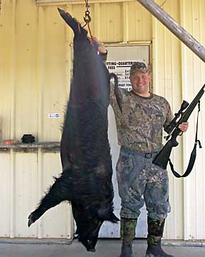 Brett with his monster Lowcountry boar